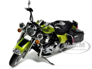 2011 HARLEY DAVIDSON FLHRC ROAD KING CLASSIC GREEN 1/12 BY HIGHWAY 61