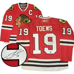 Jonathan Toews Signed Jersey Dark Pro Sports & Outdoors