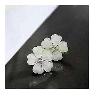 Fashion Elegant Cute White Flower Earrings Ear Nail Girl Gift