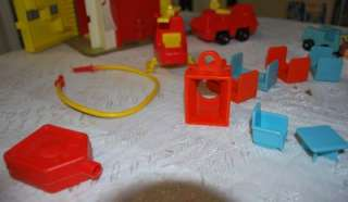 VINTAGE PLAYSKOOL RESCUE STATION PLAYSET W/ ACCESSORIES
