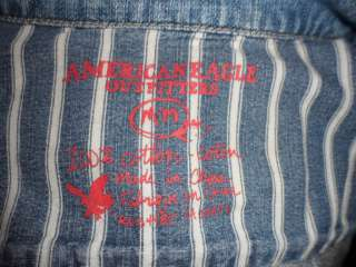 AMERICAN EAGLE OUTFITTERS WOMENS SHORT BLUE JEAN JACKET SZM WITH 6