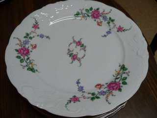 Royal Kent Collection Poland 10 1/2 Dinner Plate Mint