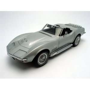 1969 Chevrolet Corvette diecast model car 118 AUTOart