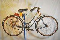 Vintage 1925 Iver Johnson womens bicycle from Schwinn Museum bike