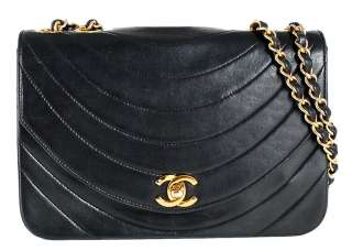 CHANEL Black Lambskin Classic Vintage Flap Shoulder Bag Purse