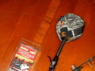 NEW DIAMOND TRIUMPH COMPOUND BOW 2007 BOWTECH BOW 70# TRU GLOW EXTREME