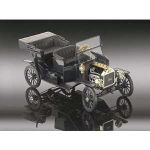 28511   Revell   Ford Model T Touring black  100 Jahre Ford