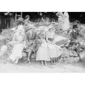 early 1900s photo Miss Hewitt Margaret Mason Helen Hoadley
