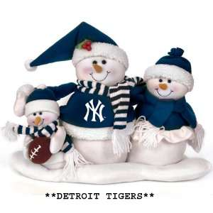16.5 MLB Detroit Tigers Plush Snowman Family Christmas