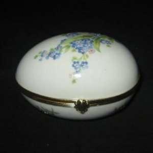 Limoges Porcelain Hand Painted Hinged Enameled Egg Box (Medium