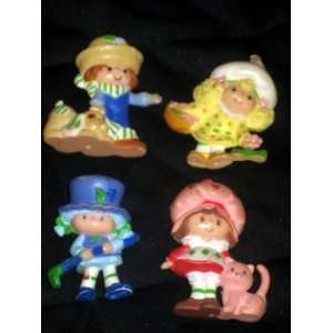 Vintage Strawberry Shortcake Miniature Pvc Figures     Lot