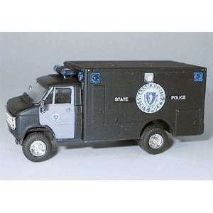 HO Massachusetts State Police   Chevrolet 1 Ton Van Toys & Games