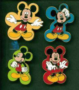 DISNEY PIN MICKEY MOUSE EXPRESSIONS BOOSTER SET